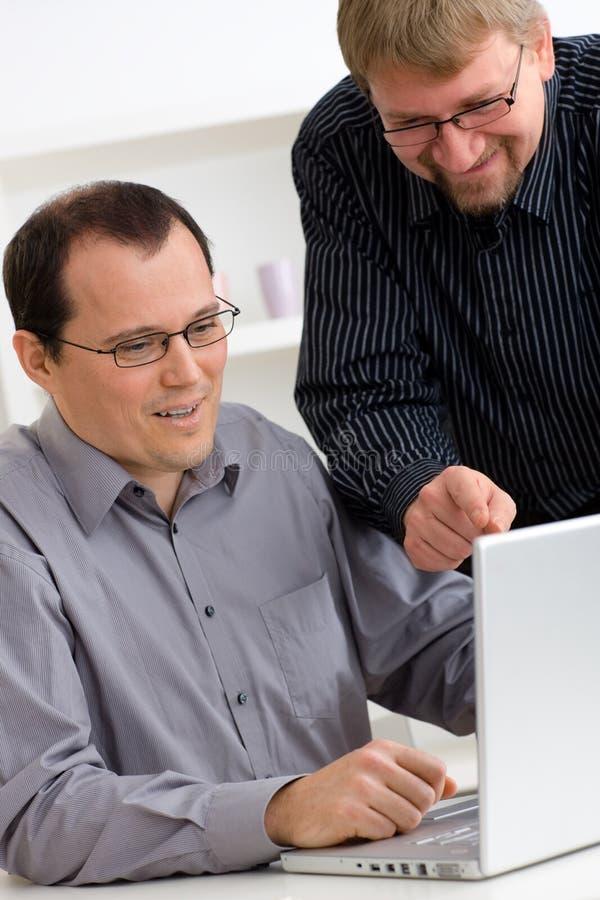biznesmenów komputerowy laptopu używać zdjęcia royalty free