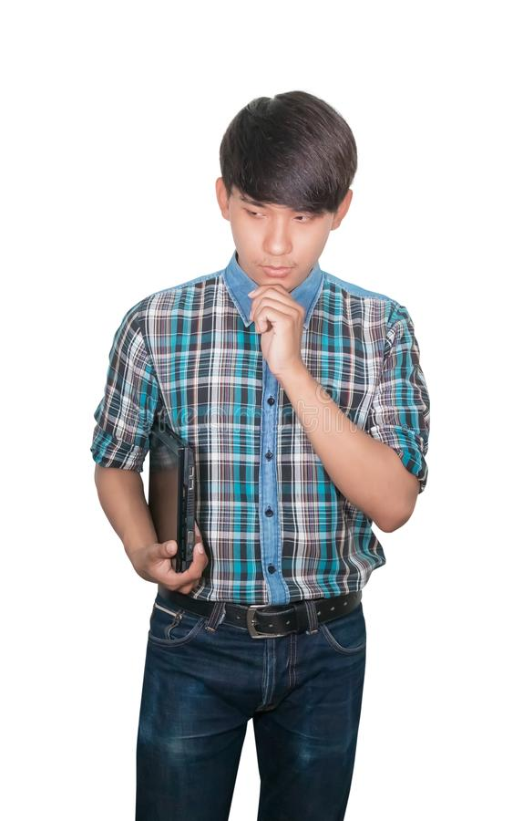 Biznesmenów potomstwa trzymają laptop przy myślącą pomysł strategią pracuje na białym tle obrazy stock