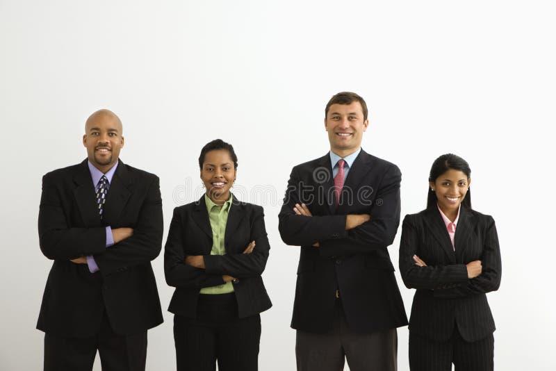 biznesmenów uśmiecha się
