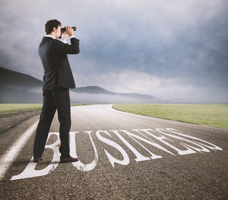 Biznesmen aspiruje biznesowy sukces zdjęcia stock
