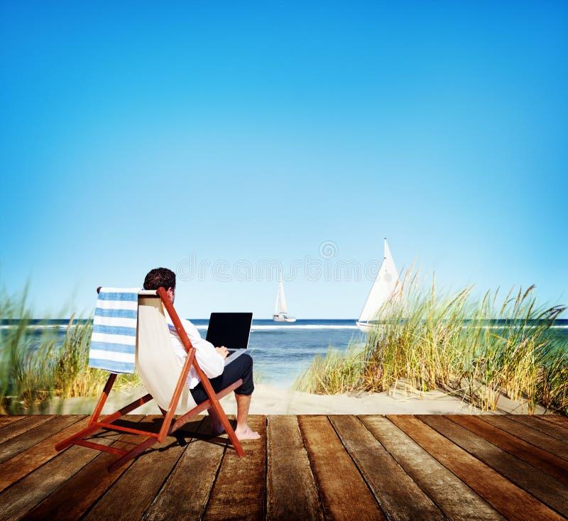 Biznesmen Biznesowej podróży plaży Wakacyjny Pracujący pojęcie fotografia stock