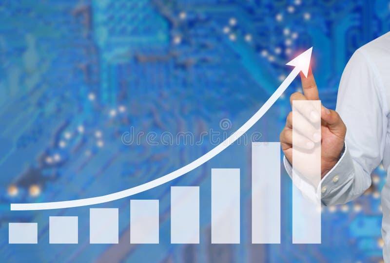 Biznesmen dotykać w szczycie Biznesowy wykres na abstrakcjonistycznej plamie obrazy royalty free