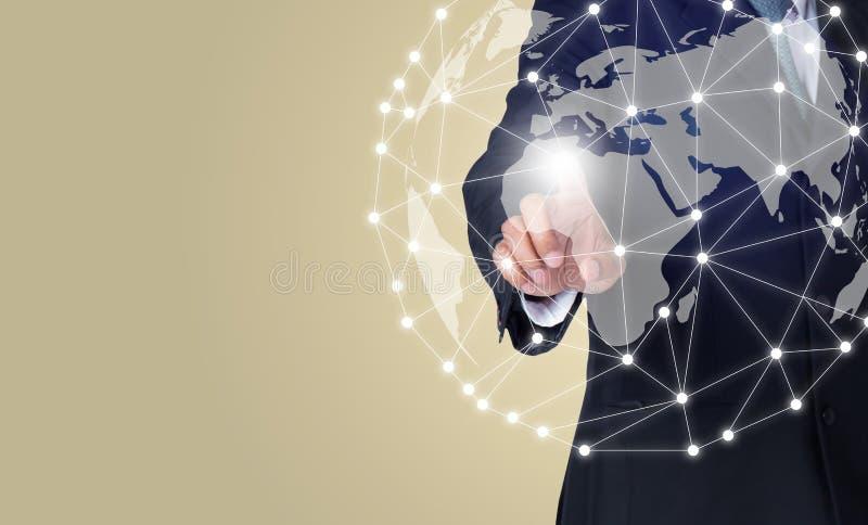 Biznesmen dotyka globalną sieć i podłączeniowych dane wymiany używać cyfrowego świat obrazy royalty free