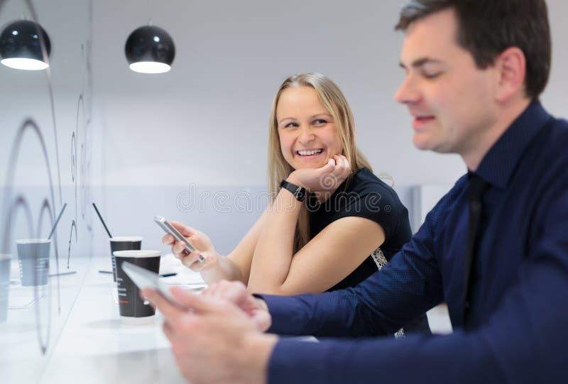 Biznesmen i kobieta w spotkaniu fotografia stock