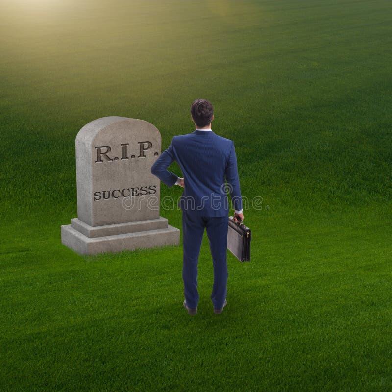 Biznesmen opłakuje śmierć sukces obraz stock