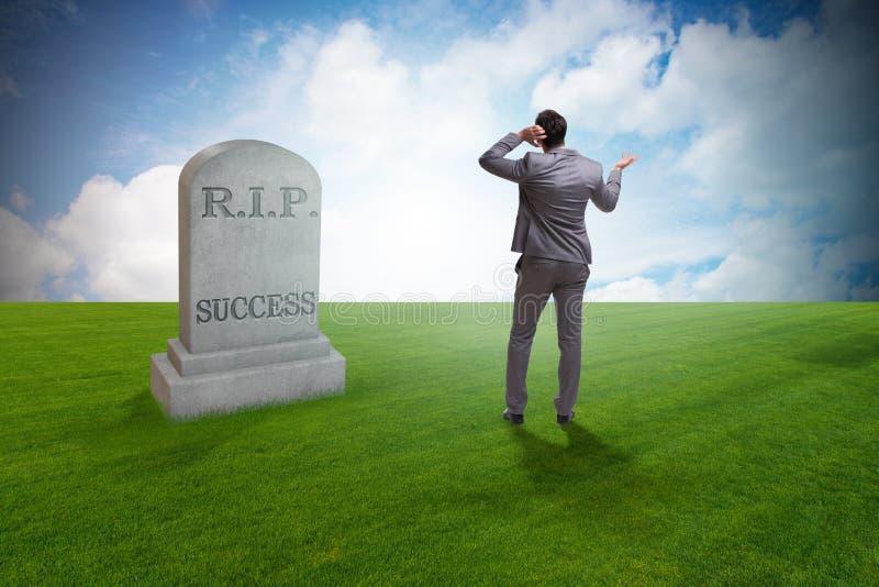 Biznesmen opłakuje śmierć sukces zdjęcie stock