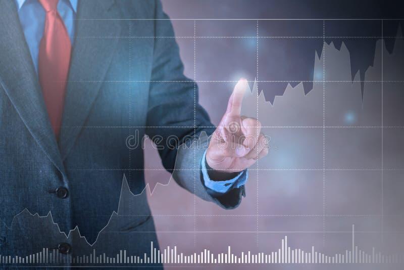 Biznesmen pracuje na wirtualnym ekranie przyszłość Biznes obraz stock