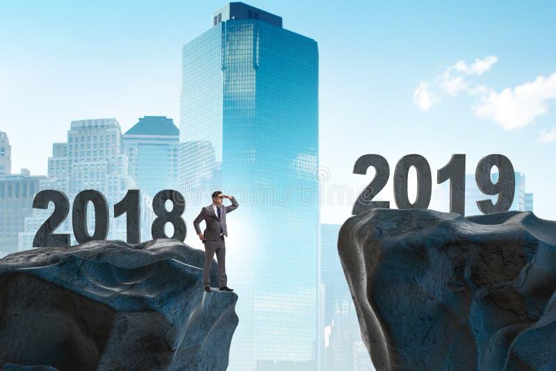 Biznesmen przewiduje rok 2019 obraz royalty free