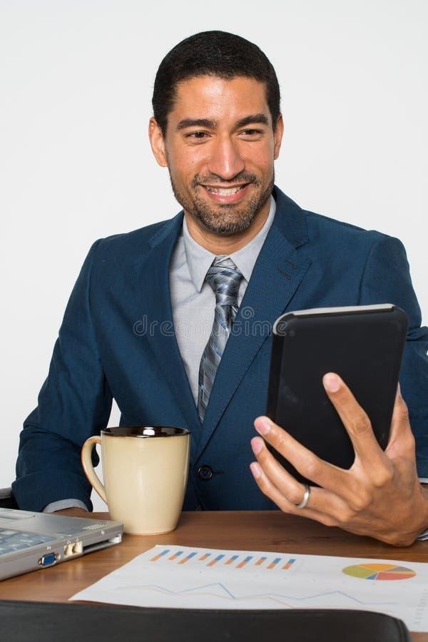 Biznesmen przy biurem obraz stock