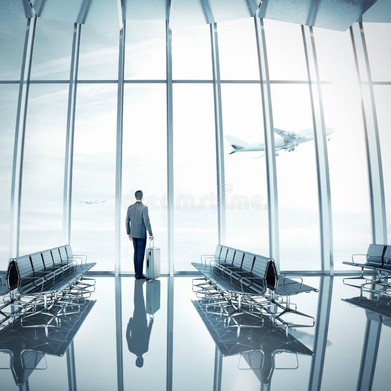 Biznesmen przy lotniskiem fotografia royalty free