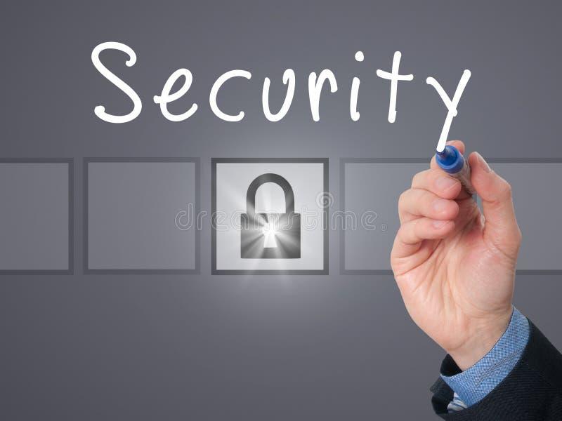 Biznesmen ręki writing ochrona na przejrzystej desce obraz stock