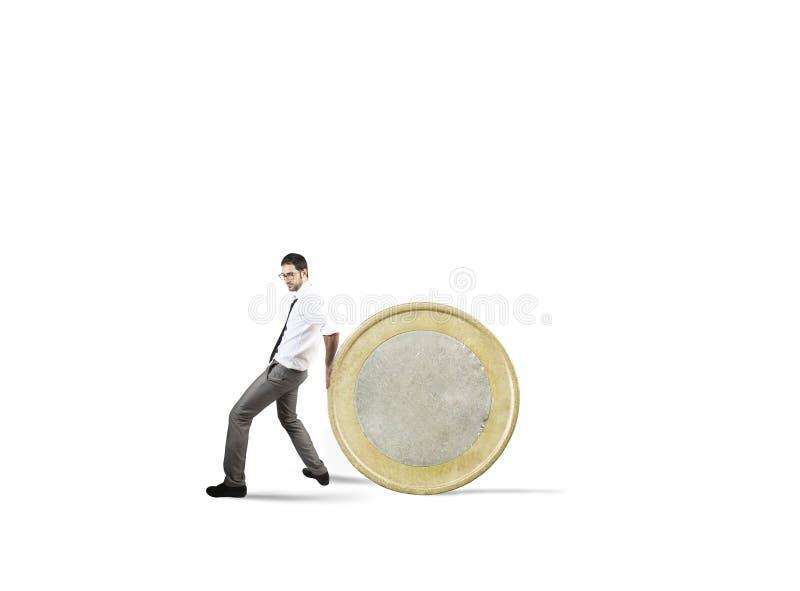 Biznesmen rusza się monetę pojęcie trudność ratować pieniądze obraz royalty free