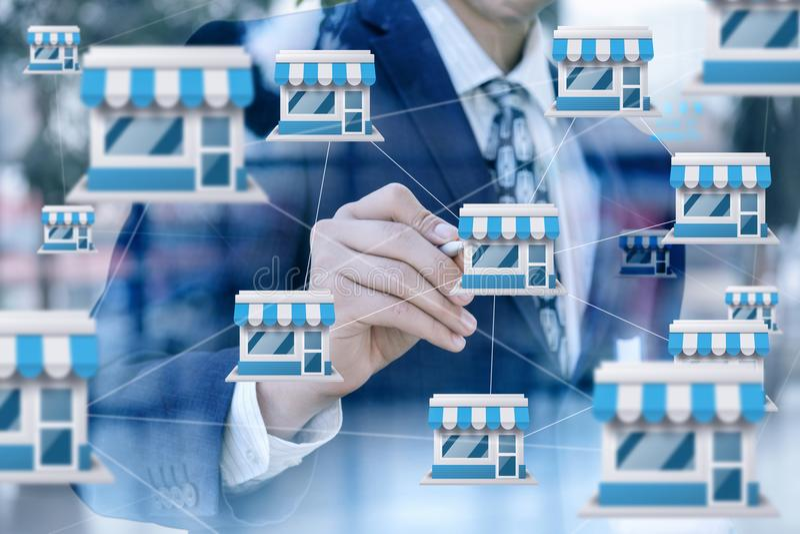 Biznesmen rysuje przywileju marketingowego system zdjęcie stock