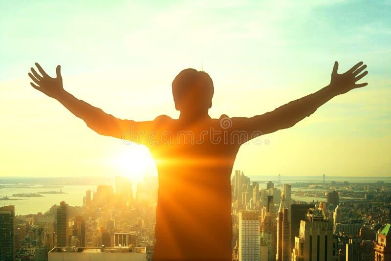 Biznesmen sylwetki odświętności sukces zdjęcia royalty free