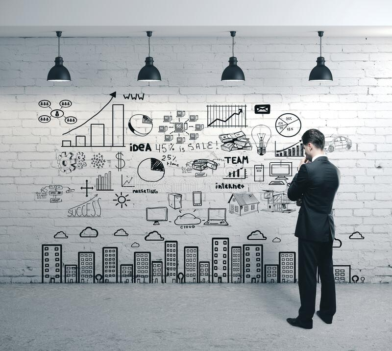 Biznesmen szukający szkicu biznesowego obraz stock
