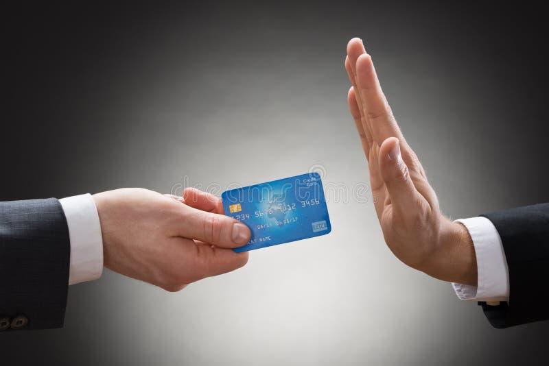 Biznesmen unika kredytową kartę zdjęcie stock