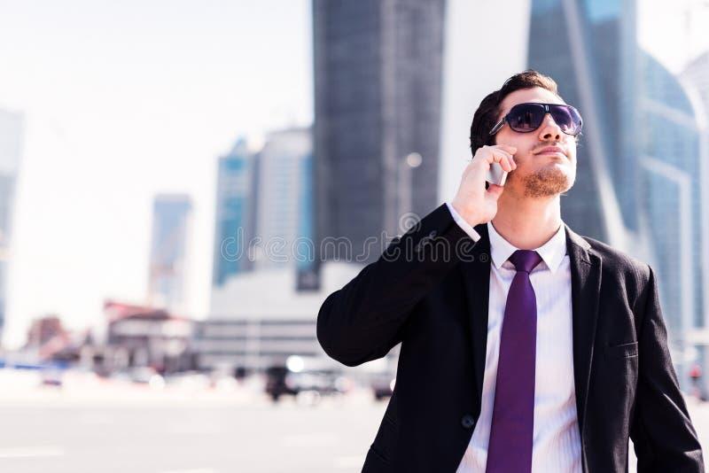 Biznesmen W Dubaj obrazy stock