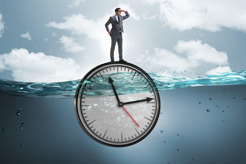 Biznesmen w ostatecznego terminu i czasu zarządzania pojęciu zdjęcia royalty free