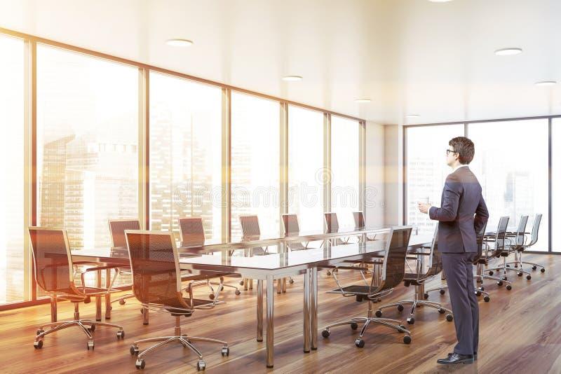 Biznesmen w panoramicznym conferece pokoju royalty ilustracja