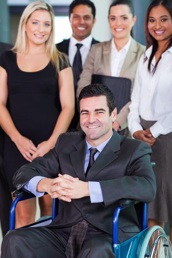 Biznesmen w wózku inwalidzkim zdjęcia stock