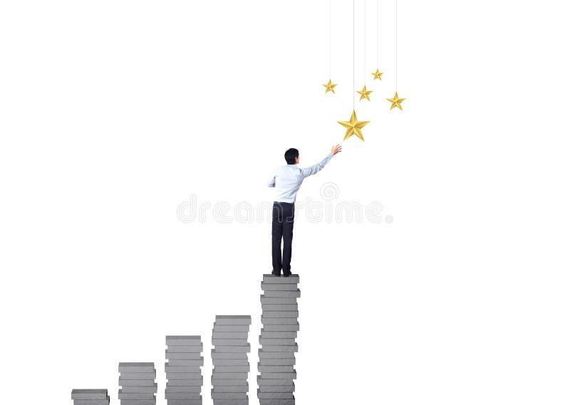 Biznesmen wspina się up na wzrostowym wykresu, pomyślnego i wygrany pojęciu, obrazy royalty free
