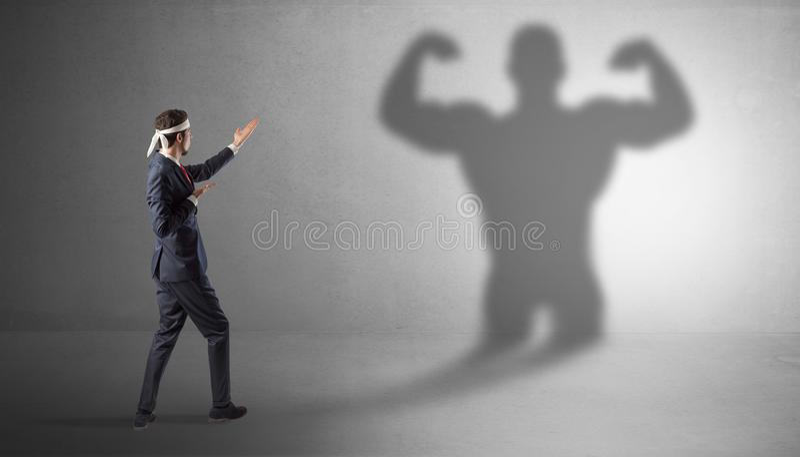 Biznesmena bój z jego bossy cieniem obraz stock