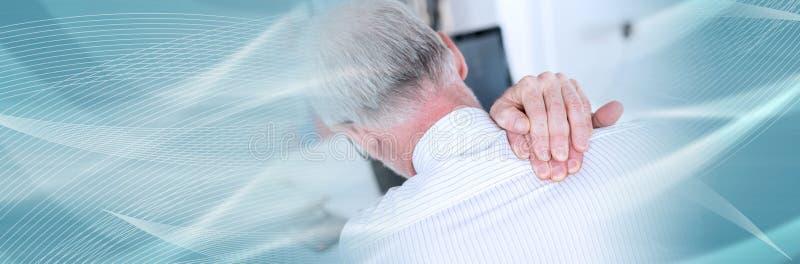 Biznesmena cierpienie od szyja b?lu sztandar panoramiczny zdjęcie stock