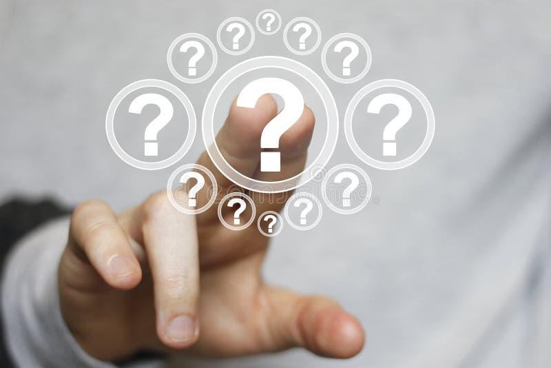 Biznesmena dotyka guzika ikony interfejsu pytanie online obraz royalty free