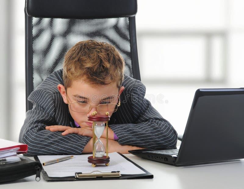 biznesmena laptop używać potomstwo zdjęcia royalty free