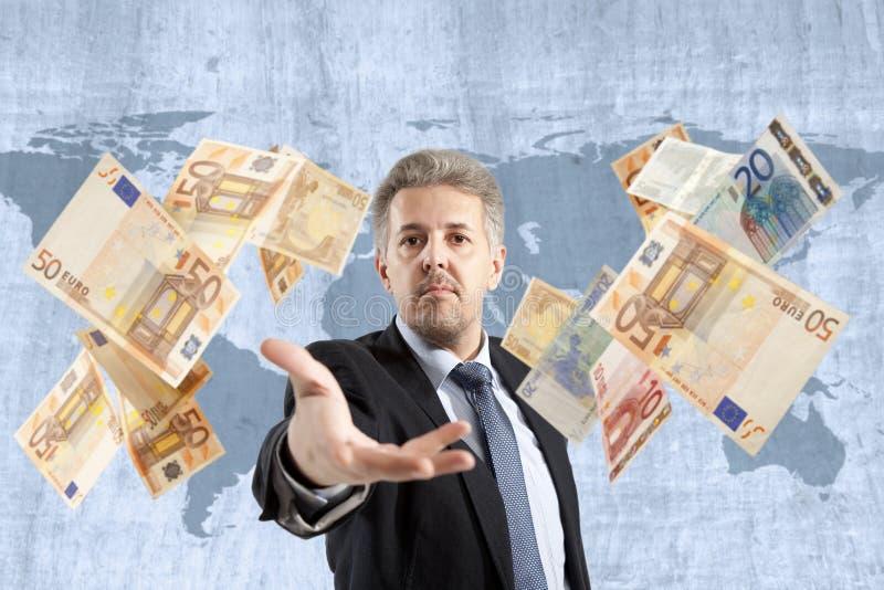 Biznesmena miotania euro zdjęcia stock