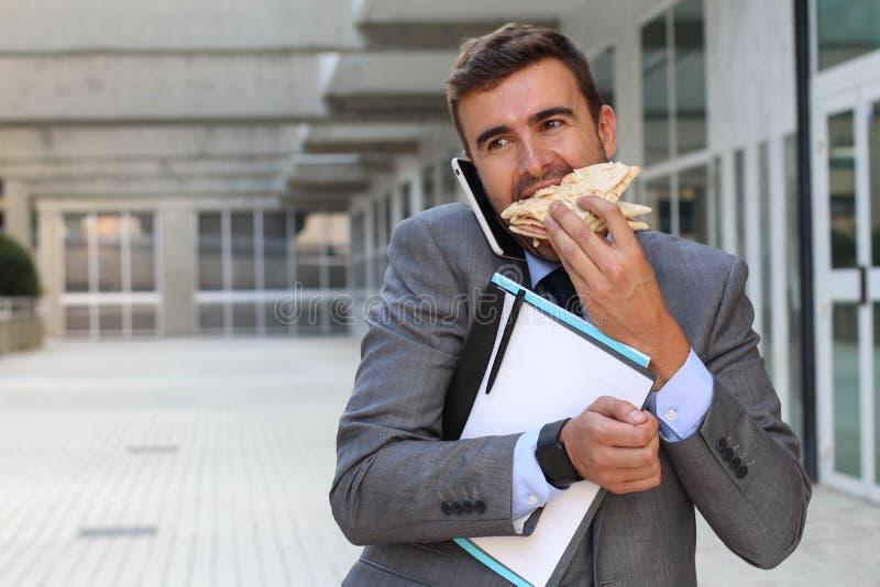 Biznesmena multitasking aktywny zdjęcie royalty free