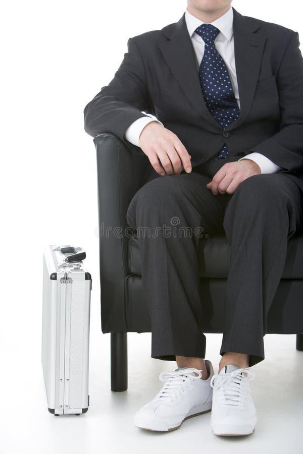 biznesmena siedzący sneakers target216_0_ obrazy royalty free