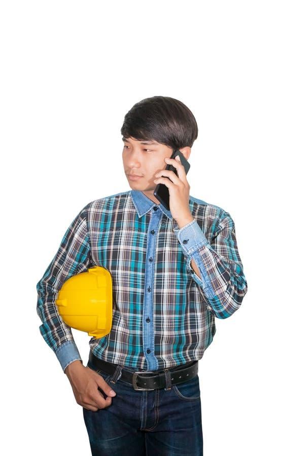 Biznesmena in?yniera rozmowy rozkaz z telefonem kom?rkowym z 5g sieci?, szybko?ciowy mobilny internet i chwyta ? zdjęcie royalty free