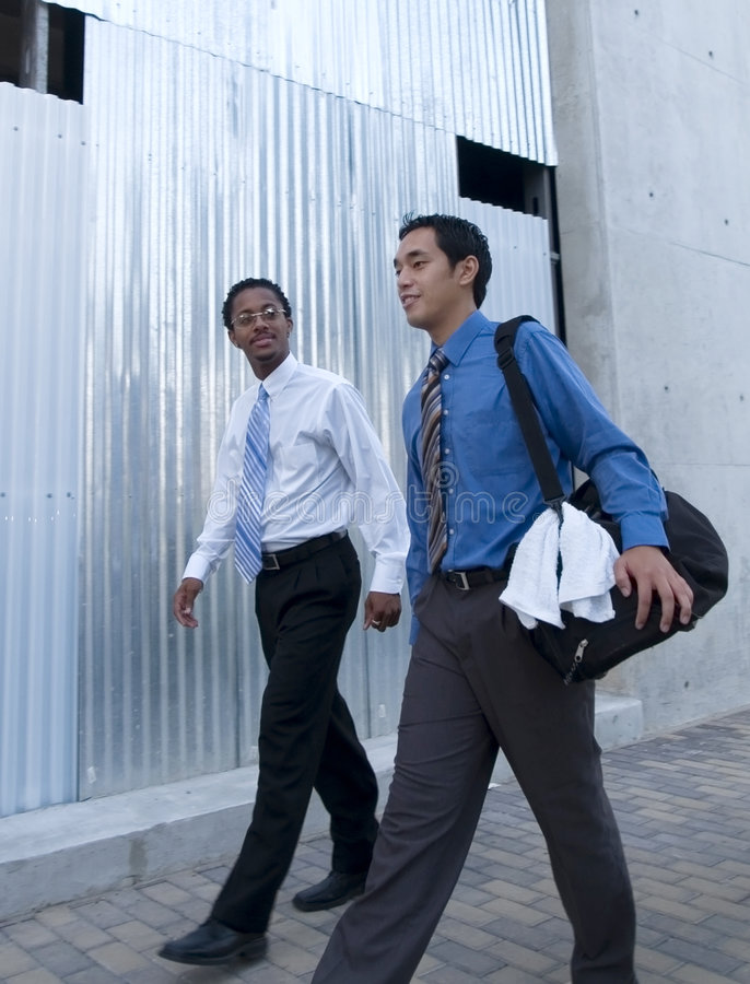 Biznesmeni - lunchu trening (1) zdjęcia royalty free
