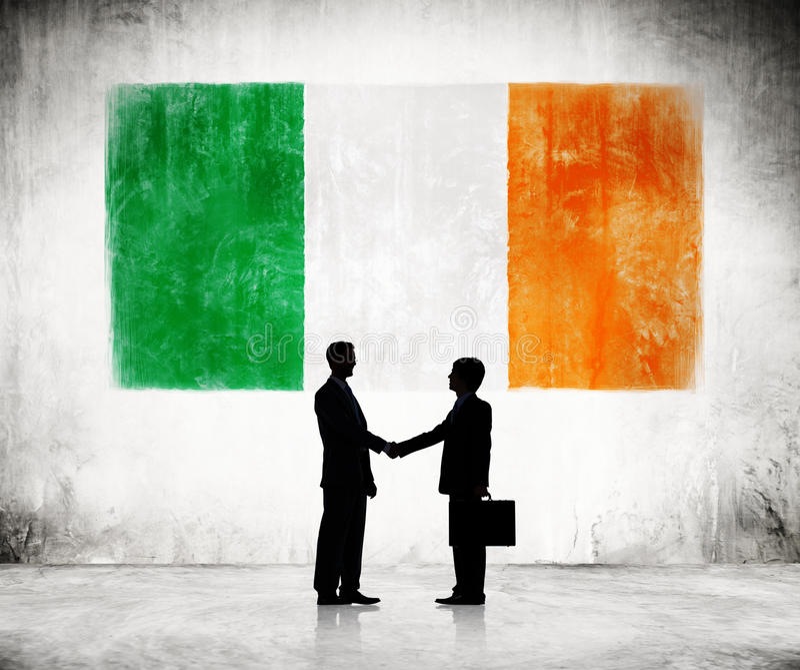 Biznesmeni Z flaga Irlandia obraz royalty free