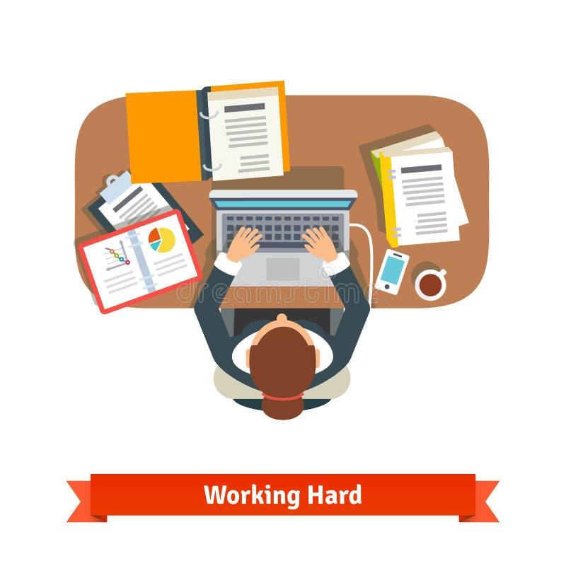 Biznesowa kobieta pracuje ciężkiego obsiadanie przy biurkiem ilustracji