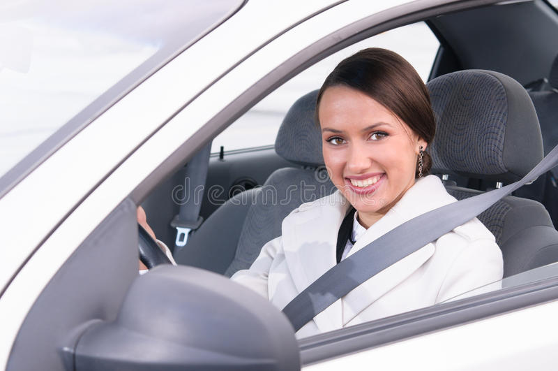 Biznesowa kobieta w samochodzie zdjęcia stock