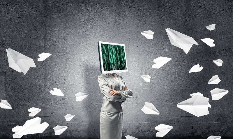 Biznesowa kobieta z monitorem zamiast g?owy obraz stock