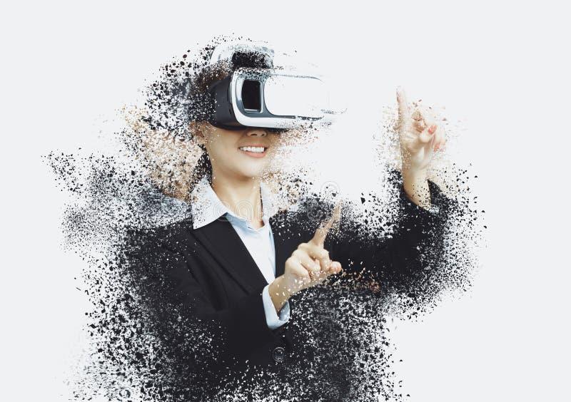 biznesowa kobieta z rzeczywistość wirtualna gogle obraz royalty free