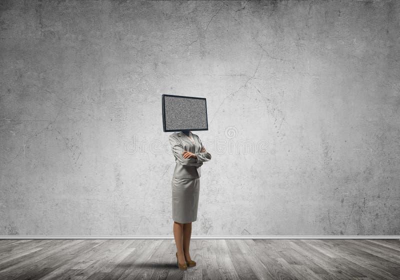 Biznesowa kobieta z TV zamiast g?owy zdjęcie stock