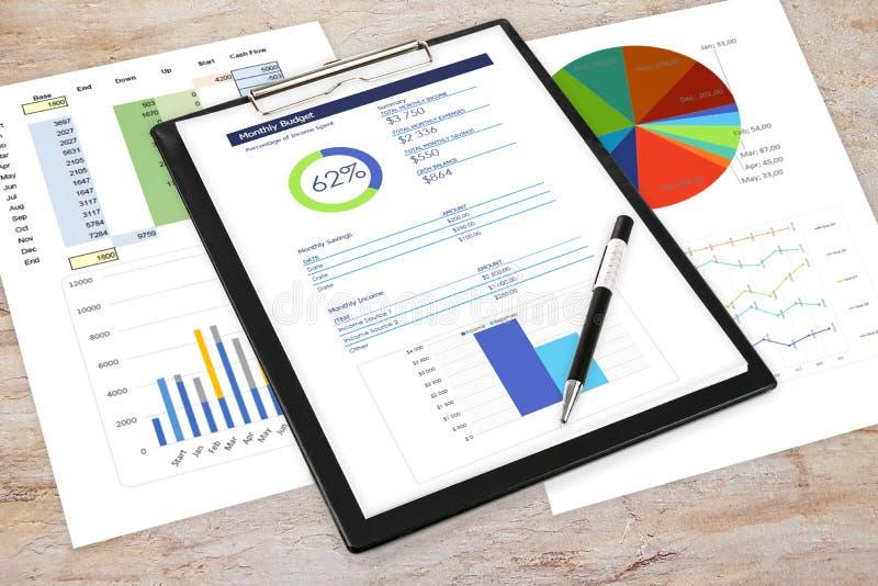 Biznesowe analityka w biurze obraz royalty free