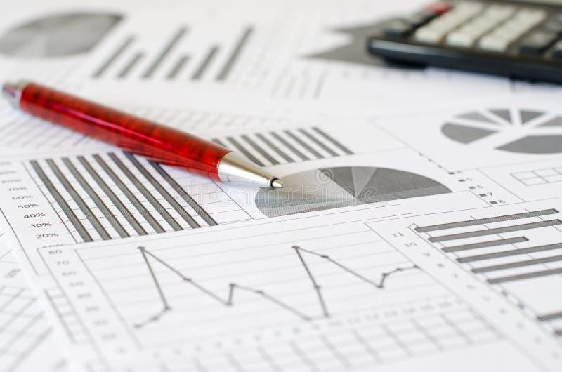 Biznesowe analityka, wykresy i mapy, Schematyczny rysunek na pa obrazy stock