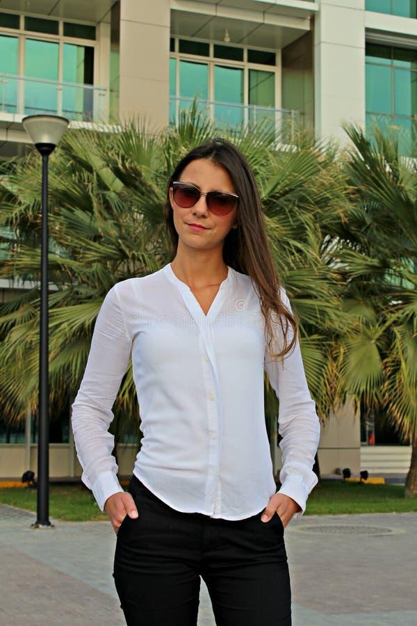 Biznesowe kobiety - Akcyjny wizerunek obraz royalty free