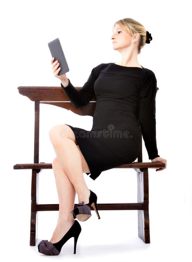 biznesowego ebook czytelnika seksowna kobieta fotografia royalty free