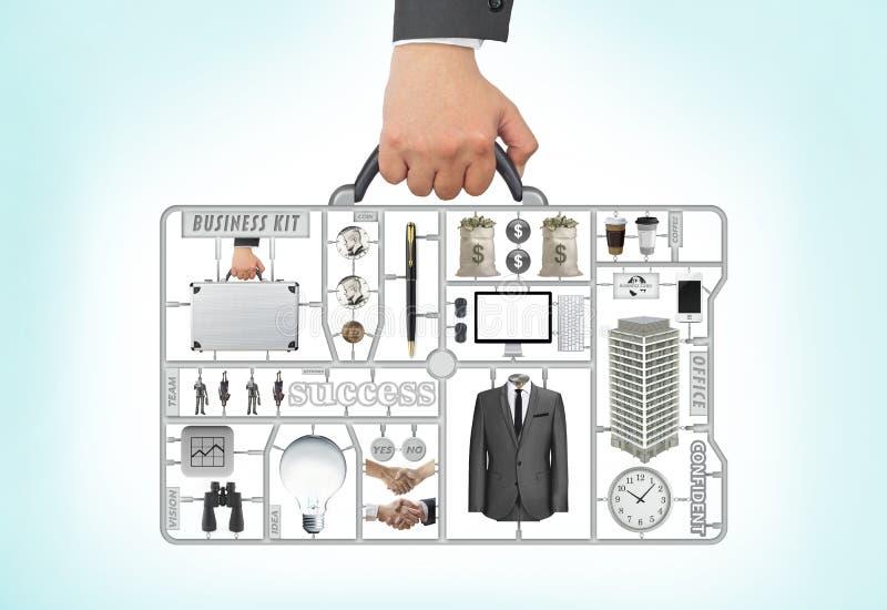 Biznesowego mężczyzna ręki i ręki mienia krótkiej skrzynki zestawu biznesowy narzędzie fotografia royalty free