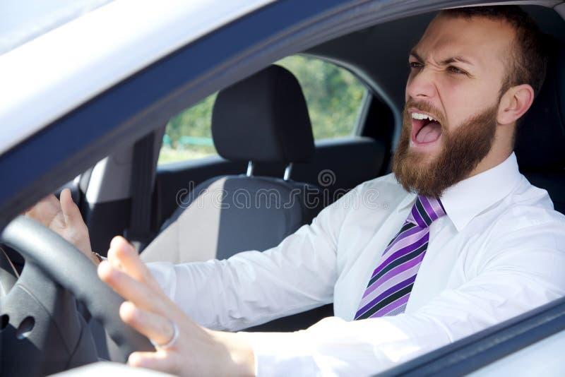 Biznesowego mężczyzna rozkrzyczany wypadek samochodowy zdjęcia stock