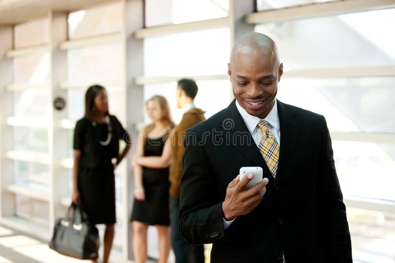 biznesowego mężczyzna telefon mądrze obraz stock