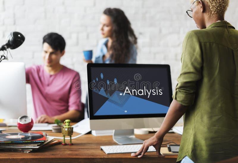 Biznesowej analizy strategii zarządzania rozwoju Graficzny słowo fotografia royalty free