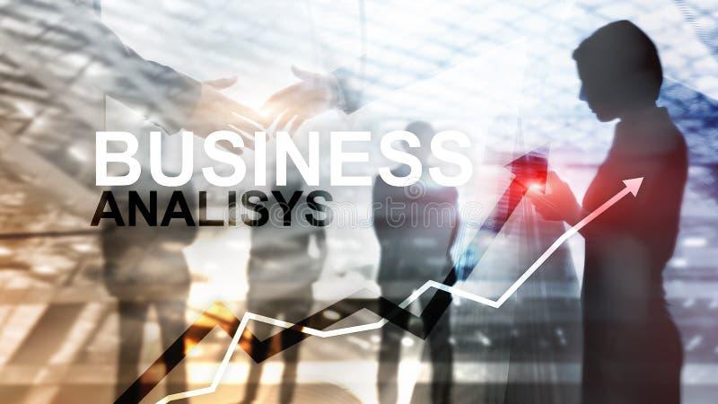 Biznesowej analizy wykresy na wirtualnym ekranie i diagramy Pieniężny i technologia pojęcie z zamazanym tłem zdjęcia royalty free