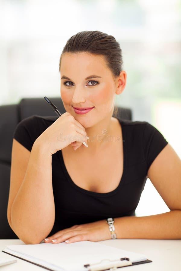Biznesowej kobiety działanie zdjęcia stock